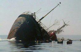 لنج ۲۰۰ تنی بازرگانان قشم با ۷ سرنشین در دریا غرق شد / خسارت ۷۰ میلیاردی