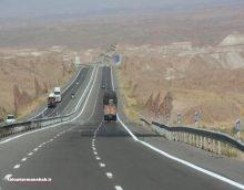 جانشین پلیس راههای استان کرمانشاه با اشاره به وجود امنیت کامل درسطح جادههای منتهی به استان همدان، گفت: کامیونداران با امنیت خاطر در حال عبور و مرور در این مسیرها هستند.