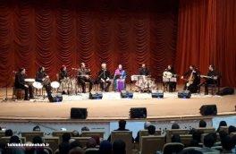 (( استاد بیژن کامکار و محمد رضا دارابی در تالار انتظار به اجرای موسیقی  سنتی  پرداختند ))