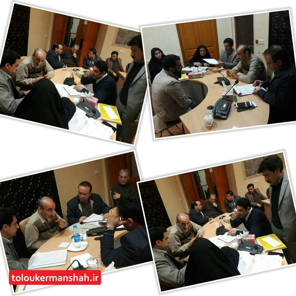 جلسه دکترطلوعی شهردار کرمانشاه ومعاون شهرسازی با فعالین صنعت ساختمان