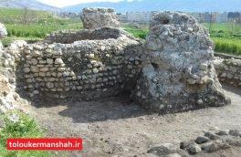 """انجام اولین مرحله کاوش باستانشناسی در آتشکده """"خالوخالو"""" گیلانغرب"""