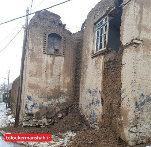 """خسارت شدید بارشهای اخیر به خانه """"ساری اصلانی"""" / مرمت بنا را از این هفته شروع میکنیم"""
