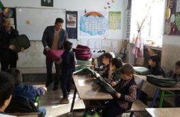 حمایت سرپرستی بانک ملت استان از دانش آموزان کم برخوردار مدارس کرمانشاه+تصویر
