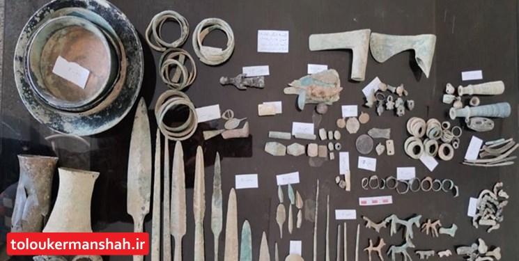کشف اشیای تاریخی با قدمت «هزار سال» در کرمانشاه
