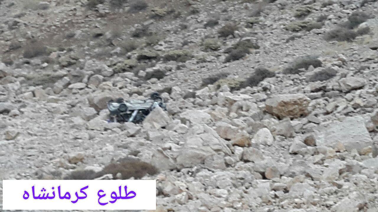 سقوط خودرو به دره در پاوه جان یک نفر را گرفت
