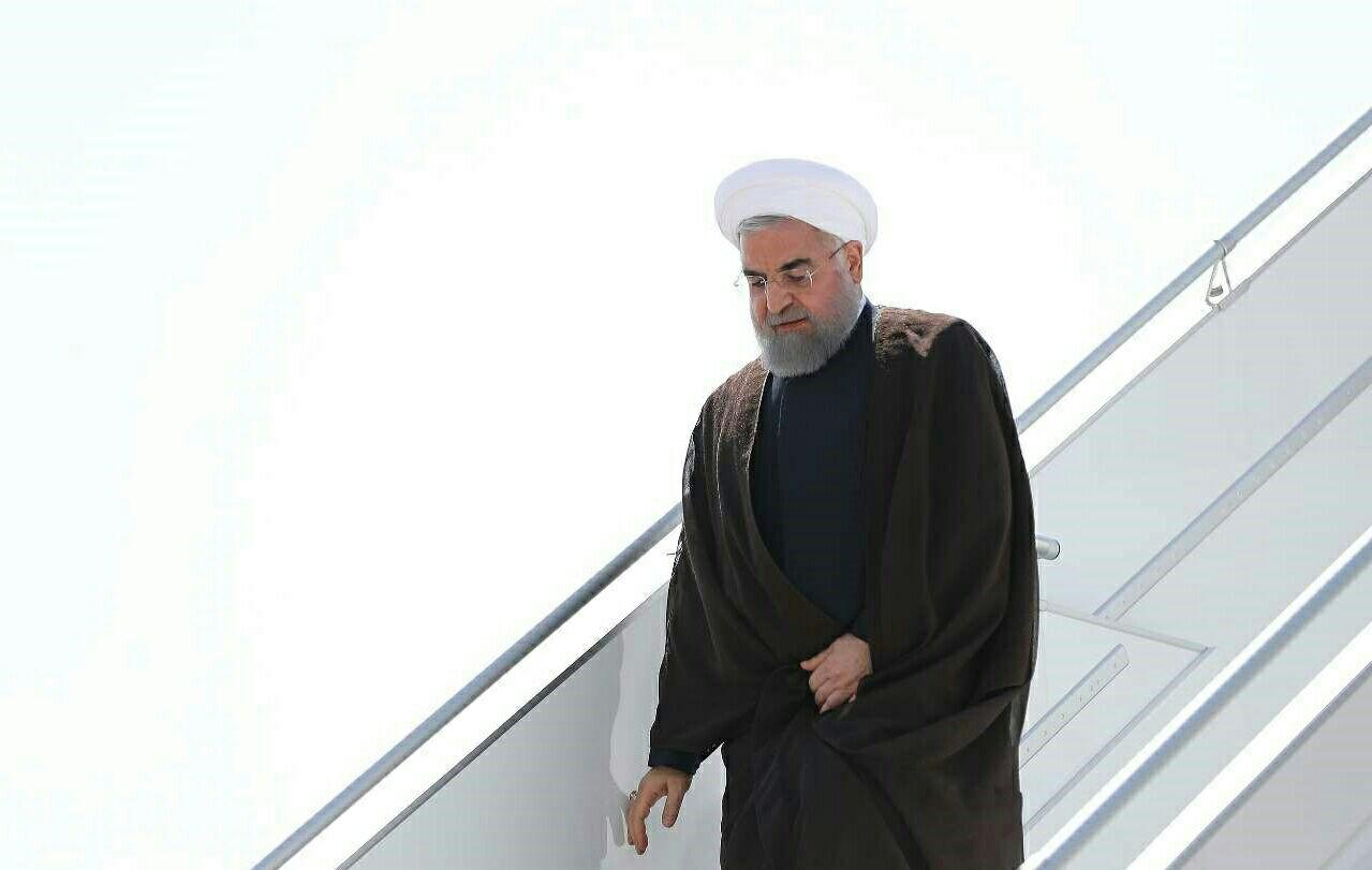 رئیس جمهور برای بازدید از مناطق زلزله زده وارد کرمانشاه شد