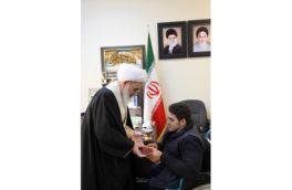 قهرمان کرمانشاهی وزنه برداری پارا آسیایی مدال طلای خود را تقدیم زلزله زدگان کرد