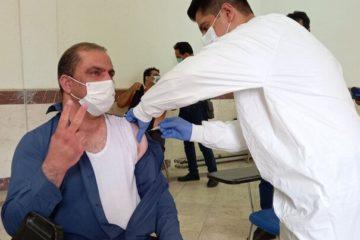 آغاز واکسیناسیون خبرنگاران کرمانشاه علیه کرونا